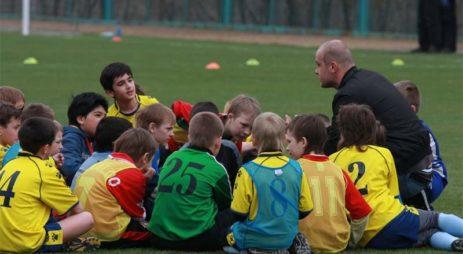 Почему лидер должен тренировать, а не помогать